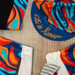 C O L O R y o u r S T Y L E ! ~ Groovy design scopri la nuova collezione online #vestilatuapassione  . . . #lovebike #lovecolors #cyclingdesign #cyclingapparel #cyclingkits #ciclismo #colors #cyclingpassion #lovecycling #cyclingpics #madeinitaly #🇮🇹 #fattoinromagna