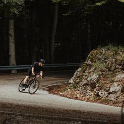L'estate è arrivata e che cosa c'è di meglio se non allenarsi con una maglia super traspirante!!!  Scopri la nuova linea super lèggerà TAYSS, per rimanere fresco anche d'estate 🇮🇹 #vestilatuapassione  . . #ciclismo #cycling #cyclingapparel #cyclinglife #mtb #personalizzato #cyclinglife #lovecycling #madeinitaly #fattoinromagna #🇮🇹