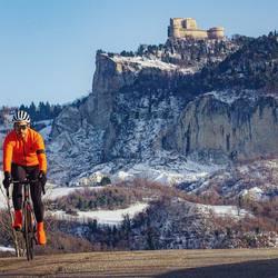 Jakka EVO! Termica, traspirante, waterproof, windproof, high visibility what else? ❄️  #vestilatuapassione  . . #wintercollection #bikewear #custom #waterproof #windproof #termic #design #highvisibility #road #mtb #bikelife #fattoinitalia #🇮🇹