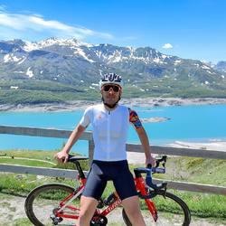 Groovy design!!! Scopri il nuovo completo estivo super leggero e traspirante  sul nostro shop online 🇮🇹 #vestilatuapassione  . . #cyling #mtb #lovebike #cyclingdesign #cyclingapparel #cyclingkits #ciclismo #bdc #lovecycling #fattoinromagna #madeinitaly #🇮🇹